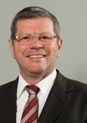 13 Hans-Josef Schneider
