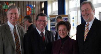 v.l.n.r. Bernd Scheelen MdB, Hans-Josef Schneider, Margarete Kranz, Dr. Fritz Behrens MdL (Foto: Christian Daams)