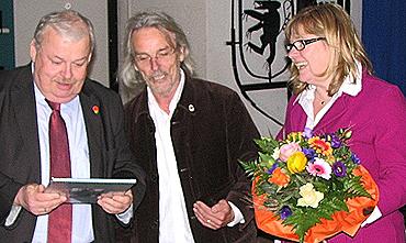 v.l.n.r. Guntram Schneider, Reiner Lange, Nicole Niederdellmann- Siemes