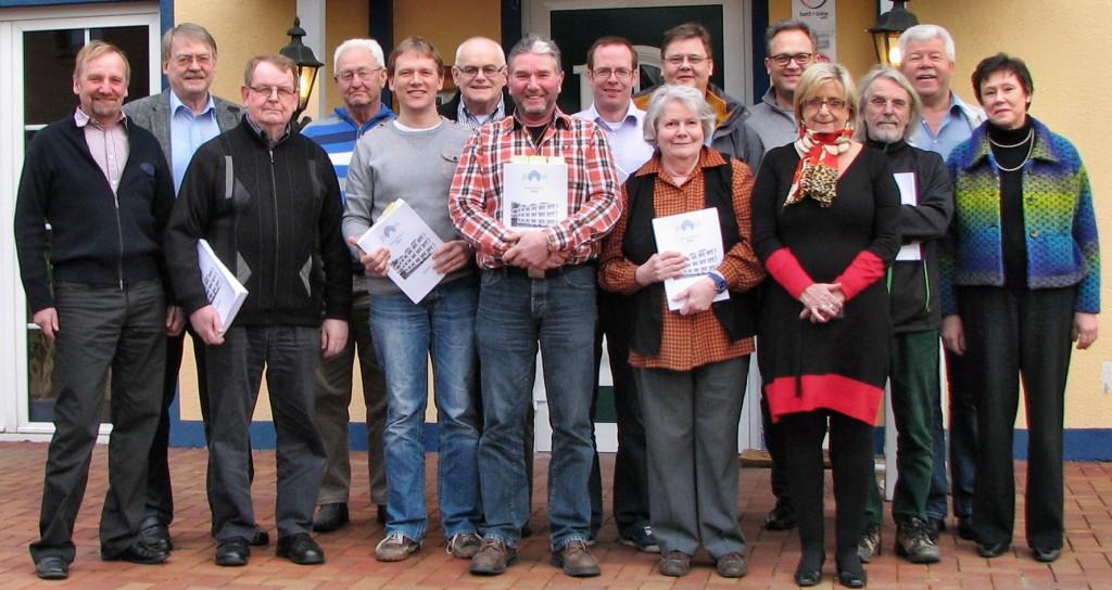 Mitglieder der SPD-Fraktion beraten den Haushaltsentwurf der Gemeinde Jüchen.